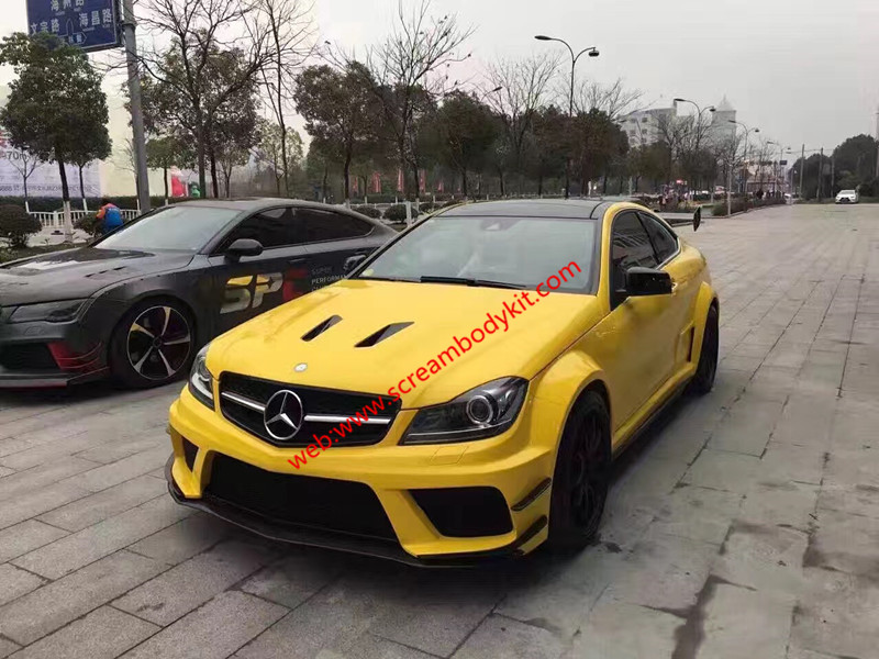 Mercedes-Benz W204 C63 AMG Or C(Coupe or sedan) update black series wide body kit